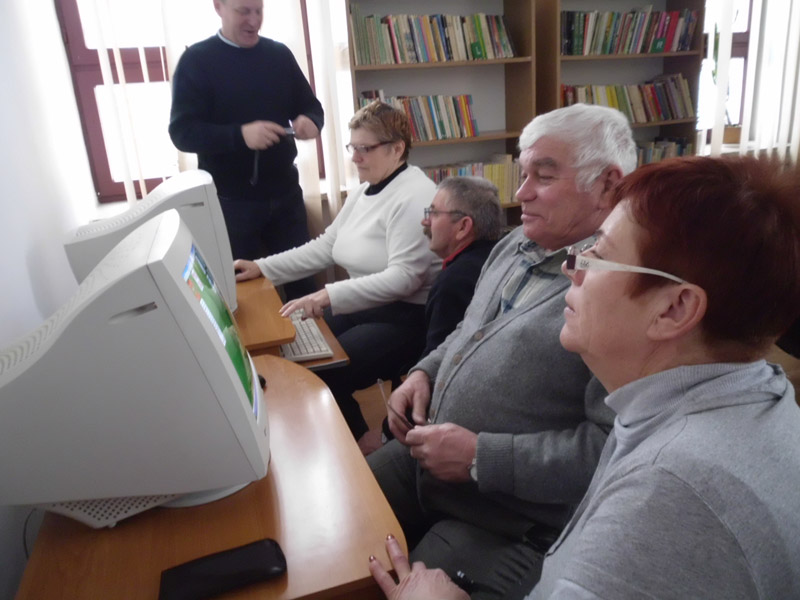 Read more about the article Zajęcia z obsługi komputera i internetu 50+