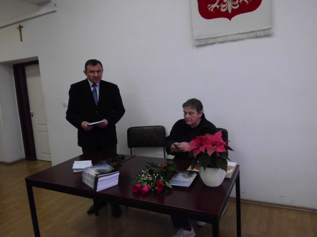 Read more about the article Promocja książki pt. Trudne dzieciństwo…